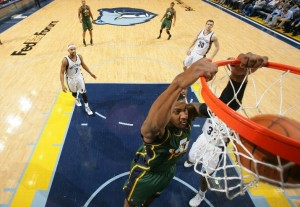 Derrick Favors - Joe Murphy - NBAE via Getty Images