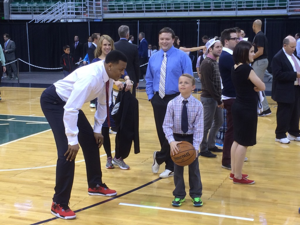 Brandon Rush intimidates a small child in HORSE