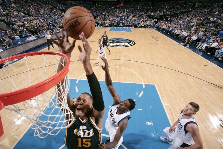 Favors led Utah in a losing effort. (Photo by Glenn James/NBAE via Getty Images)
