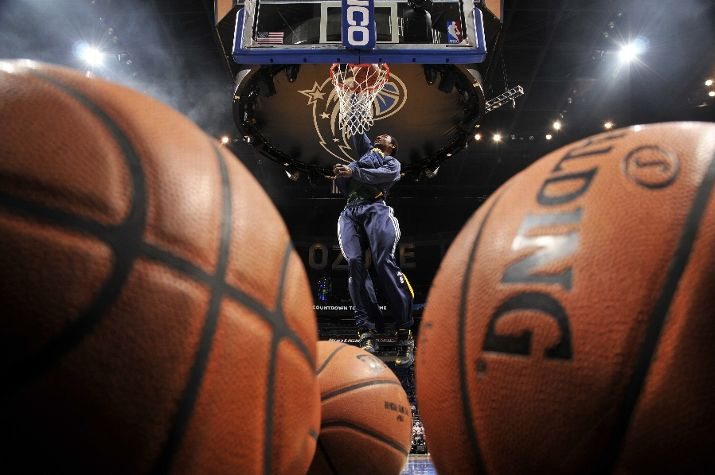 Basketball photo (featuring Jeremy Evans). (Photo by Fernando Medina/NBAE via Getty Images