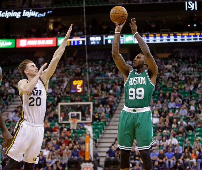 Gordon Hayward's hair in this picture is pretty cool. (AP Photo/Rick Bowmer)
