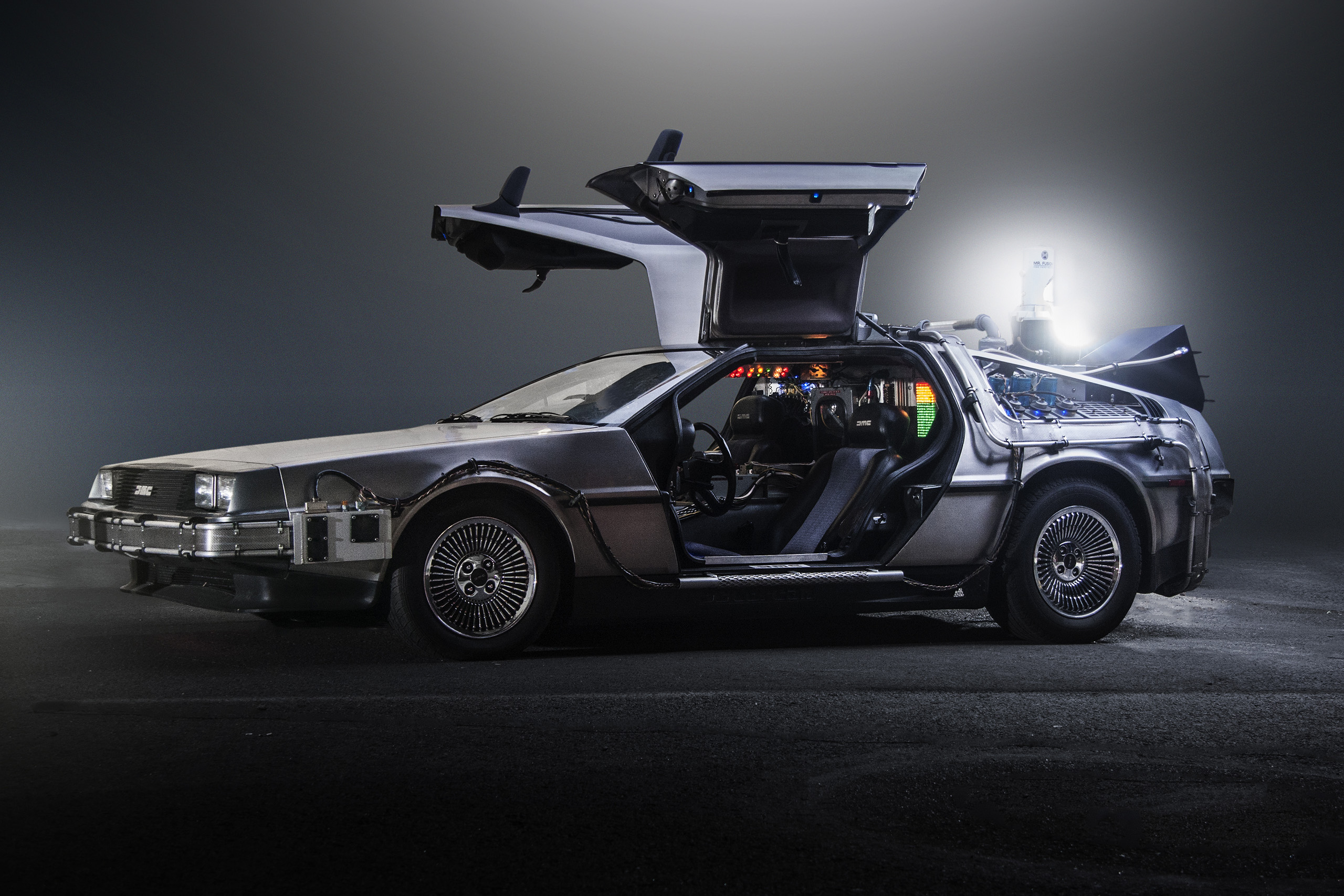 DeLorean Time Machine. (wikipedia)