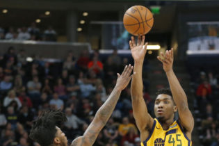 Jazz Win 11th Straight Game over Feisty Suns